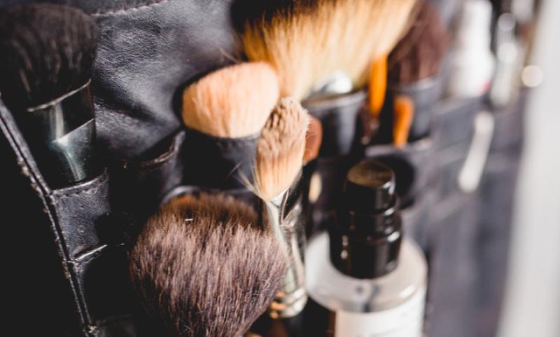 Mobiles Brautstyling,Makeup Artist, Make up artist Mönchengladbach, Visagist, Visagist Mönchengladbach, Abend Make up, Event Make up, Photoshooting Makeup, Fotoshootings Make up, Hairstyling, Hochsteckfrisuren, Hochsteckfrisur