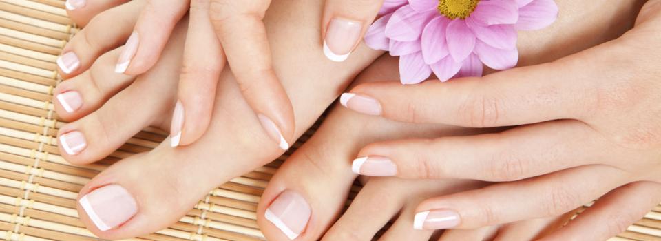 Kosmetik, Beauty, Pediküre, Maniküre, Fußpflege, Pediküre Mönchengladbach, Maniküre Mönchengladbach, Füße lackieren, Hände lackieren, Nagellack, gepflegte Füße, gepflegte Hände